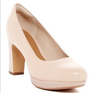 Clarks nude leather heels 👠